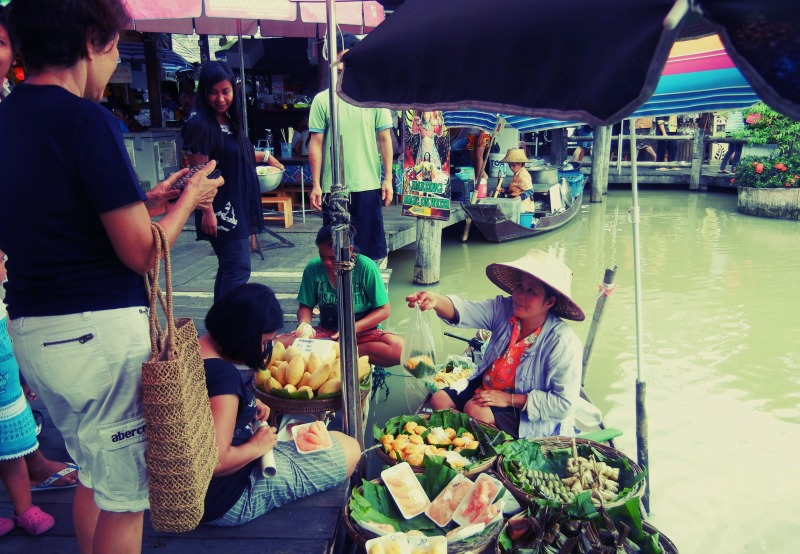 Thai people buying and selling at Pattaya Floating Market